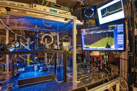NIST Team Shows Tiny Frequency Combs Are Reliable Measurement Tools