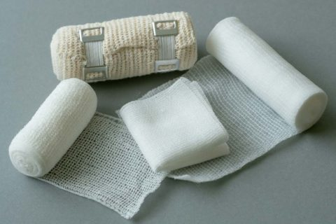 Nanofiber-based wound dressings induce production of antimicrobial peptide